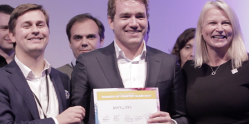 Thomas De Vlaam of Amylon Therapeutics presented as winner of BioEurope Startup Slam Berlin