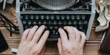 life science writer, content creation, outsourcing to a writer, life science marketing