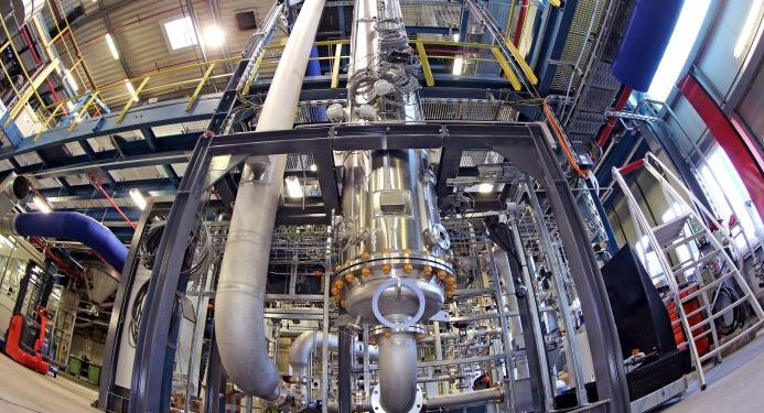 Evonik & Siemens Launch Artificial Photosynthesis-Driven Chemical Plant 4