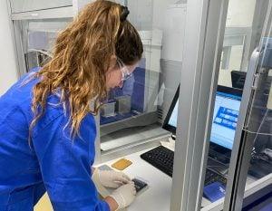 immune cell, laboratory worker, scientist, researcher
